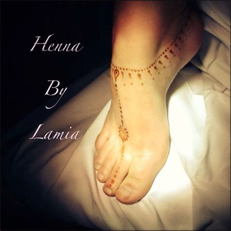 simple henna anklet