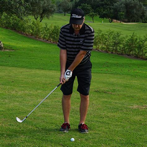 shallow golf swing golf pitching chipping how to play short chips