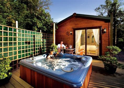 2 Person Log Cabin With Tub by Uk Cabins With Tubs 100 S Of Cheap Weekend