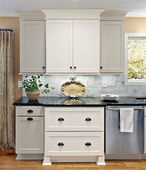 shake kitchen cabinets rockford door style cliqstudios contemporary kitchen