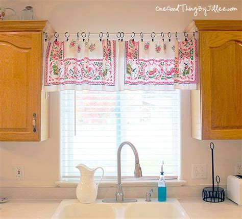 Simple Window Valance Make A Quick And Easy Window Valance Window Valances