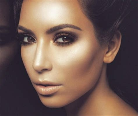 Contour Make contouring dramatic looks and sculpted features