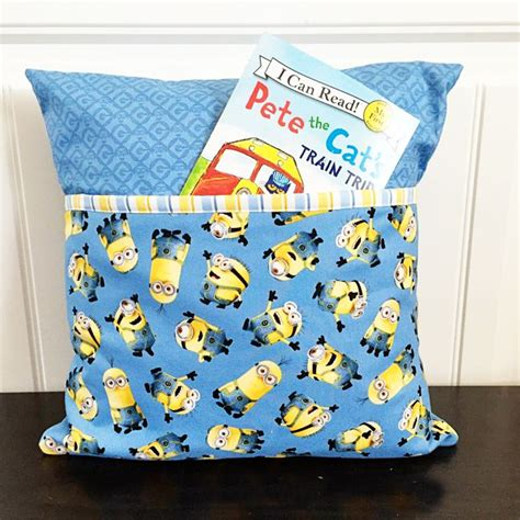 How To Make A Book Pillow by Best 25 Pillow Tutorial Ideas On Diy Pillows