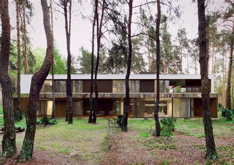 la casa in via co casa flota en medio de un bosque en polonia planeta curioso
