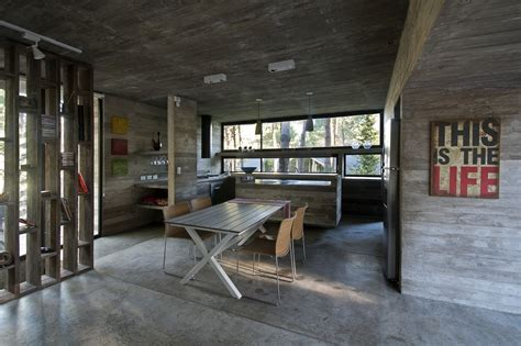 Exposed Concrete Interior by 190 Sqm Four Bedroom Exposed Concrete House Design