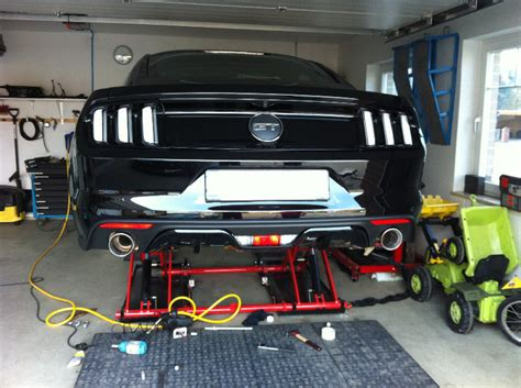 Auto Aufbocken Ohne Hebeb Hne by Einbauanleitung Fox Endschalld 228 Mpfer Mustang Gt Mustang