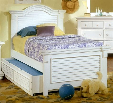 youth white bedroom furniture cottage traditions white panel bedroom set 6510 33pan