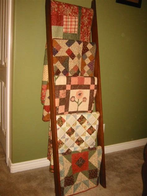Quilt Ladders For Display by 1000 Ideas About Quilt Ladder On Quilt Racks
