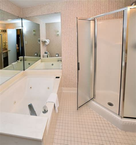 atlanta hotels with tubs in room hotels in downtown atlanta with suites quality inn marietta