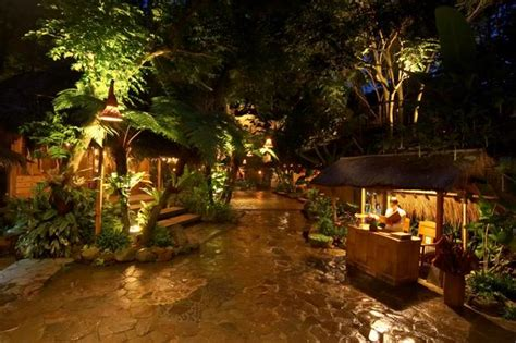 tempat wisata kuliner  bandung  wajib dikunjungi