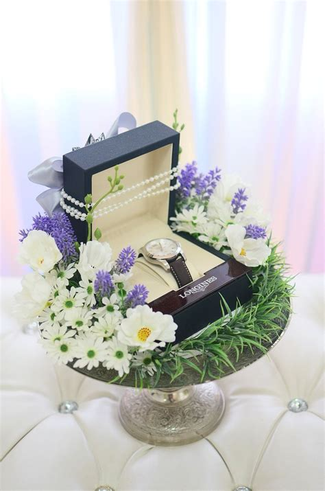 Jam Tangan Wanita Untuk Hantaran 17 best images about idea for hantaran on wedding black wedding themes and my last