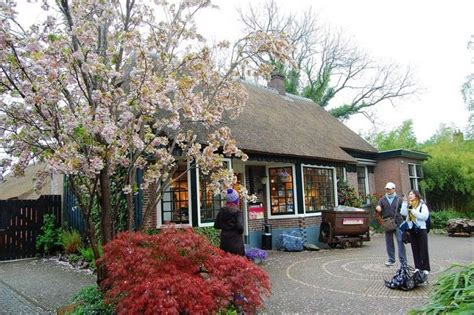 film giethoorn the wonderful village without roads that you wish you