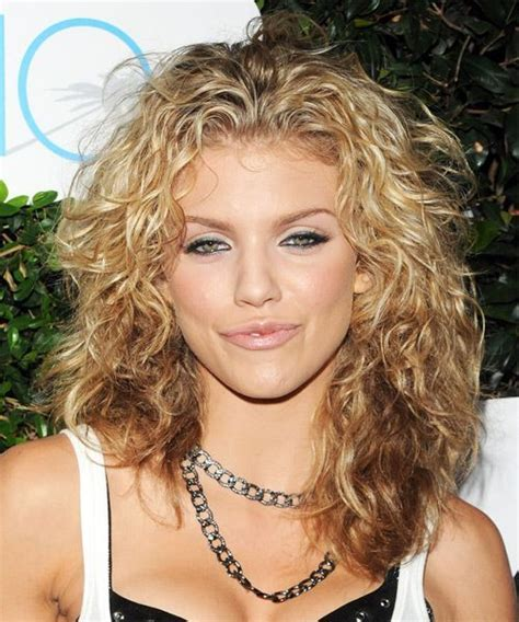 hairstyles for women over 40 wavy medium oval face medium curly hair styles for women over 40 annalynne
