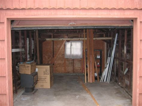 exceptional Garage Turned Into House #1: minihouse-garage2.jpg