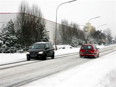 Motorrad Fahrstunden Im Winter by Ratgeber Sicher Ankommen Im Winter Magazin Auto De