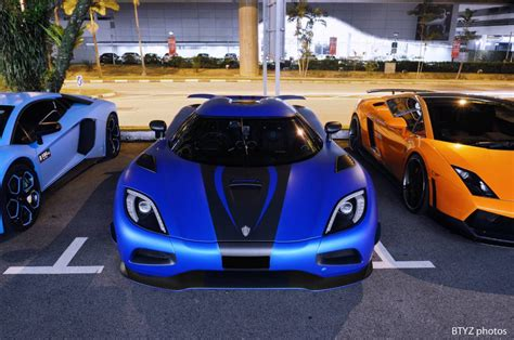 koenigsegg agera s blue photo of the day the 5 3 million koenigsegg agera s in