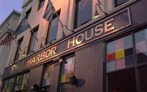 harbor house detroit here are the 11 best buffet restaurants in michigan