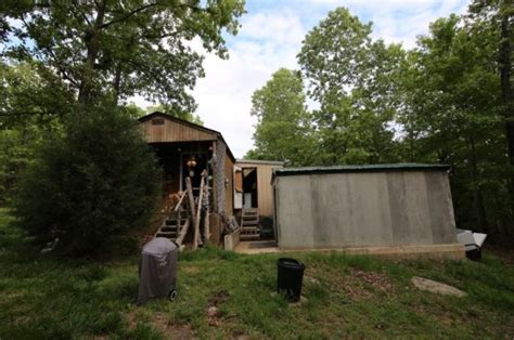 Cabins For Sale In Arkansas Ozarks by Tiny Cabin On 5 Acres For Sale In The Ozarks