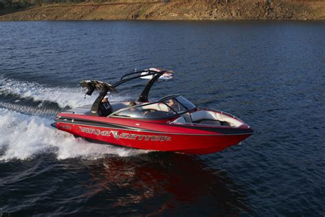 malibu ski boats for sale in bc 19ft crownline ski boat seats up to 8 passengers images