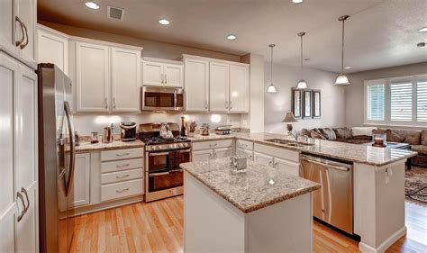 Kitchen Ideas Photos Traditional Kitchen With Raised Panel Kitchen Island In Centennial Co Zillow Digs Zillow