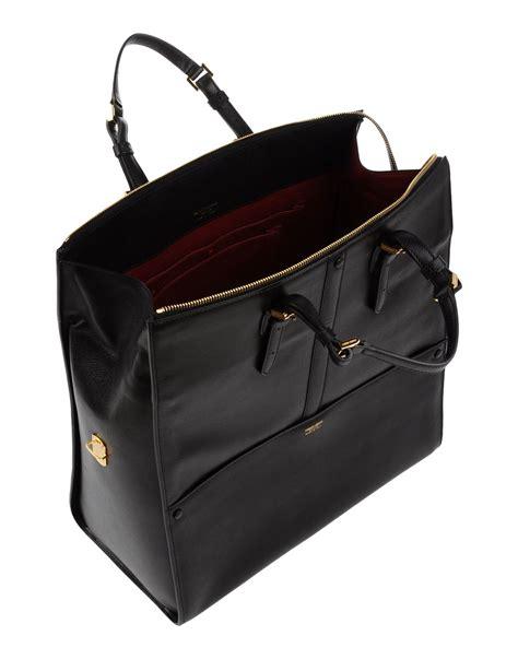 Bag Selempang Giorgio Armani 9661 lyst giorgio armani handbag in black