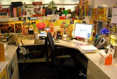 cool cubicle ideas using your office cube as a mixed media scrapbook