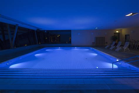 Underwater Lights For Pool by Underwater Spotlights