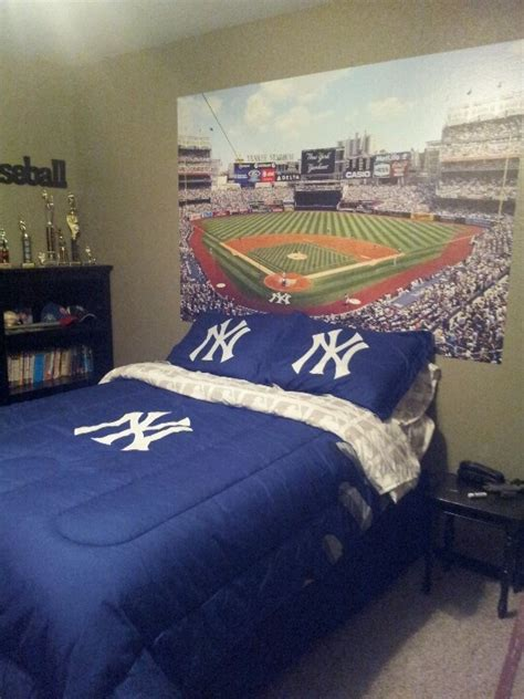 yankees bedroom 1000 images about decorating home ideas on pits master bedrooms and bedroom