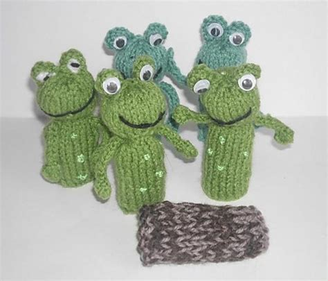 frog finger puppet knitting pattern by hennie knitting