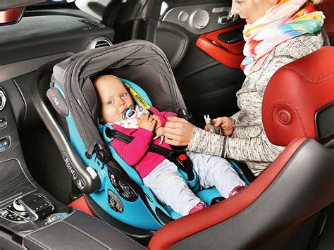 Kindersitz Auto Reise by Ratgeber Kindersitze Reisen Mit Den Kleinen Ace Auto