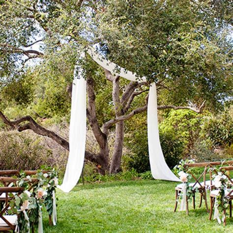 backyard wedding photos how to prepare a backyard wedding brides