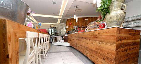 come arredare un bar con pochi soldi ristrutturazione locale pubblico soluzioni d arredamento