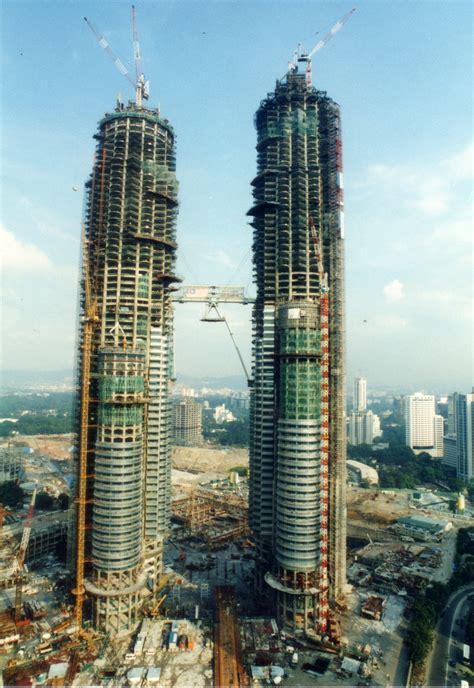 petronas towers obfuscata