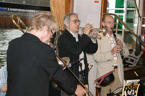 Britzer Garten Jazz Festival by Basin In Berlin Bilder Musikern Bands