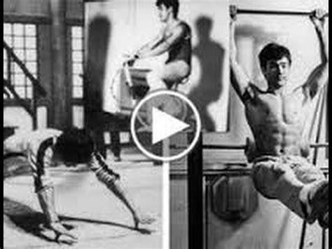 ejercicios practicados por bruce para ejercitar su abdomen de acuerdo con algunas notas