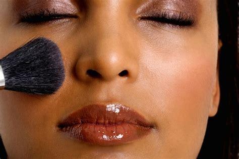Eyeshadow Yang Cocok Untuk Kulit Kuning Langsat hal yang perlu kamu tahu sebelum memilih warna lipstik