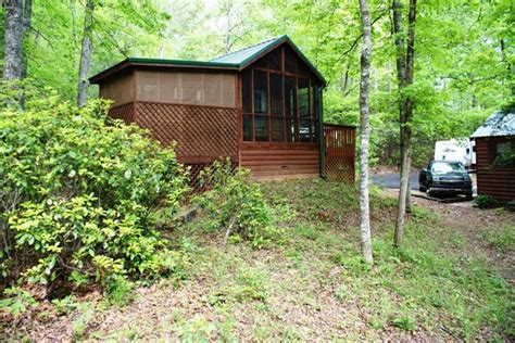 Greenville Cabins by 6 Cozy Cabins And Cottages In Northern Greenville County