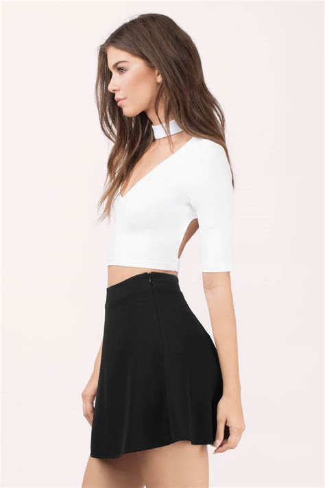 To Trendy White trendy black crop top open back top festival top