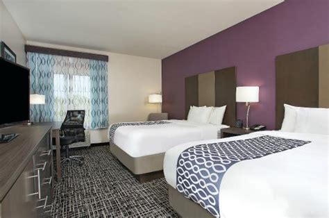 La Quinta Rooms by Guest Room Picture Of La Quinta Inn Suites Chattanooga