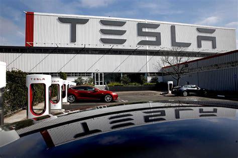 Tesla Motors Fremont Plant Crane Cuts Electricity To Tesla Motors Fremont