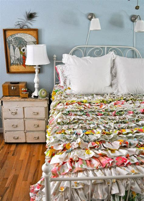 ruffled bed comforters best 25 ruffle bedspread ideas on pinterest white