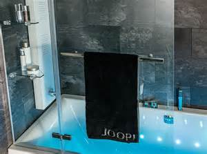 handtuchhalter duschwand handtuchhalter glas duschwand raum und m 246 beldesign