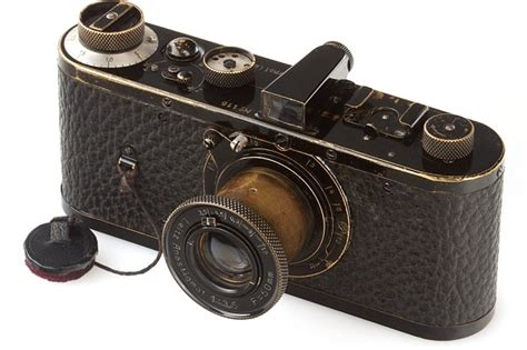 imagenes vintage camaras the 1923 leica camera becomes most expensive in world