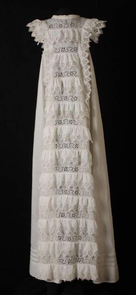 baby jurk katoen lange doopjurk of babyjurk van wit katoen met broderie