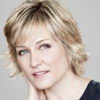 blue bloods linda new short hairstyle amy carlson hairstyle on blue bloods google search