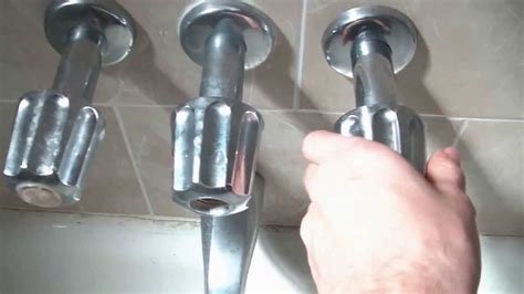 How To Fix A Leaking Bathtub Faucet How To Fix A Leaking Bathtub Faucet Quick And Easy Youtube
