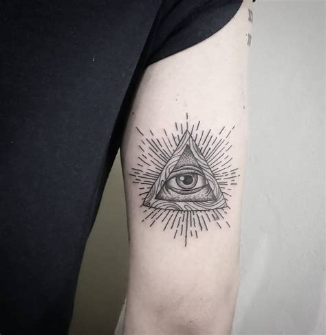 pyramid eye tattoo 10 best all seeing eye sharingan images on