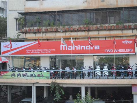 mahindra showroom pune mahindra two wheeler opens their 52nd dealership in
