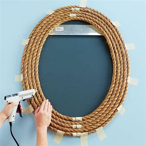 cornici per specchi fai da te decorare uno specchio con una cornice fai da te in corda