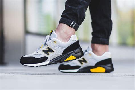 Sepatu New Balance Warna Hitam Putih paduan abu hitam dan kuning sepatu new balance teranyar sooperboy